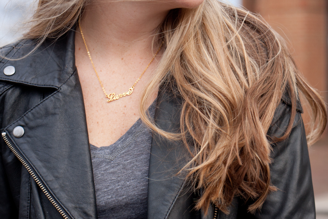 Gold Lurve necklace
