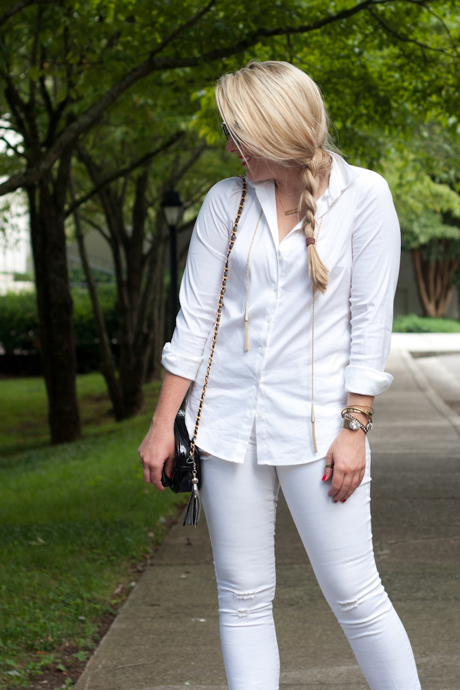 White outfit with gold jewelry