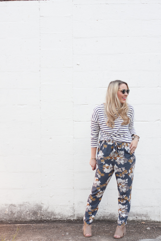 Mixed Print Outfit on www.pearlsandtwirls.net