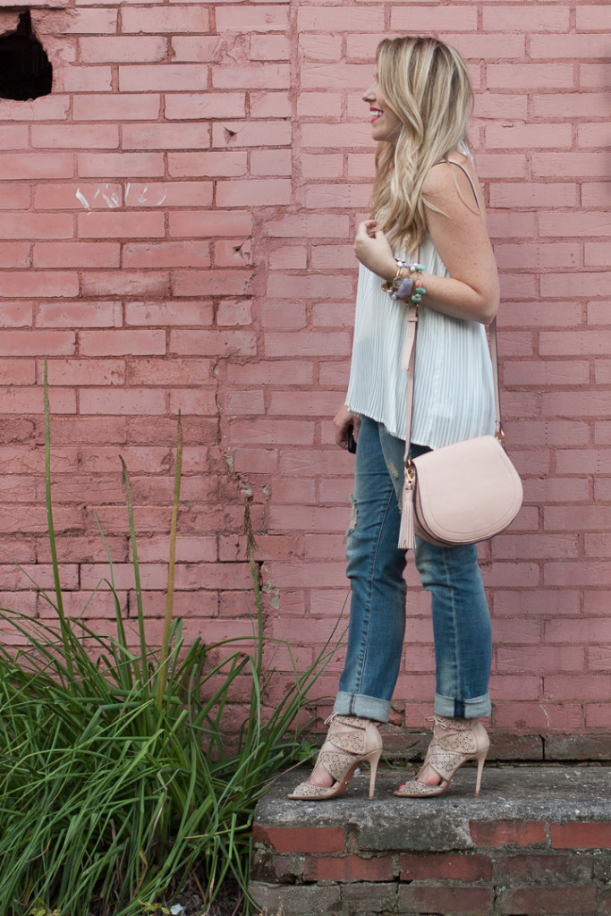 Budget Friendly Summer Outfit on www.pearlsandtwirls.net