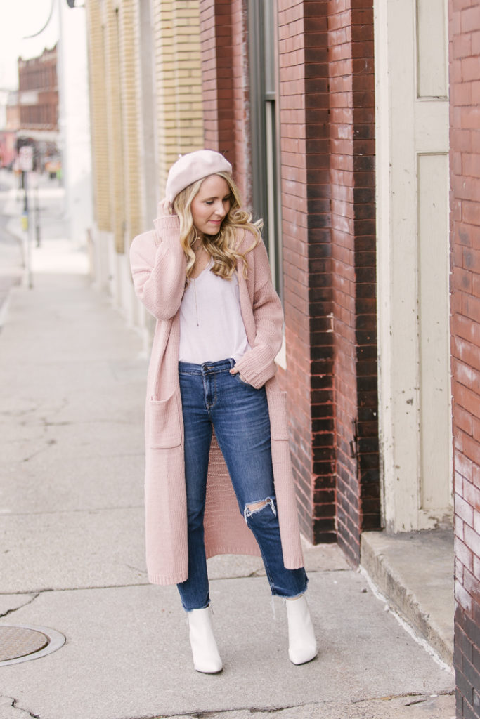 How to Wear a Pink Beret