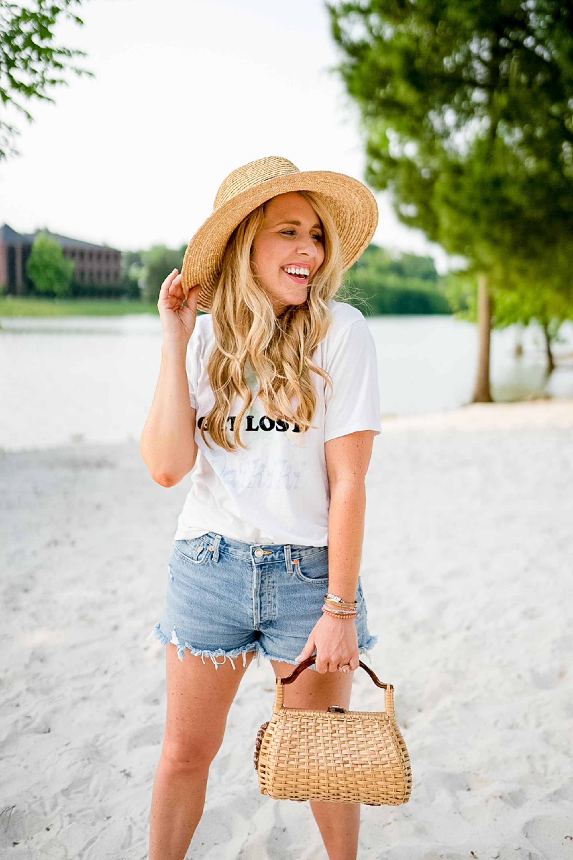 Hot girls awesome thick bodies pics The Best Denim Shorts For Thick Thighs Fashion Pearls And Twirls
